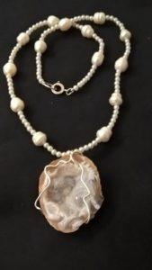Conchiglia con perle