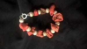 Corallo grezzo e palline argento