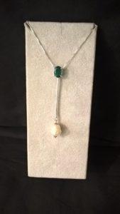 Tormalina con bacchetta e perla