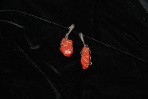 corallo rosso con fili argento