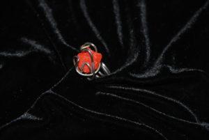 corallo rosso con filo