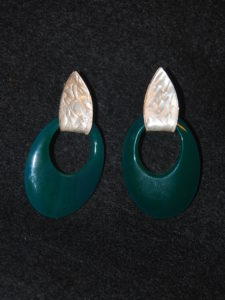 ovale verde con argento
