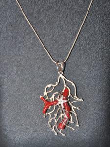 rami argento con rametto corallo